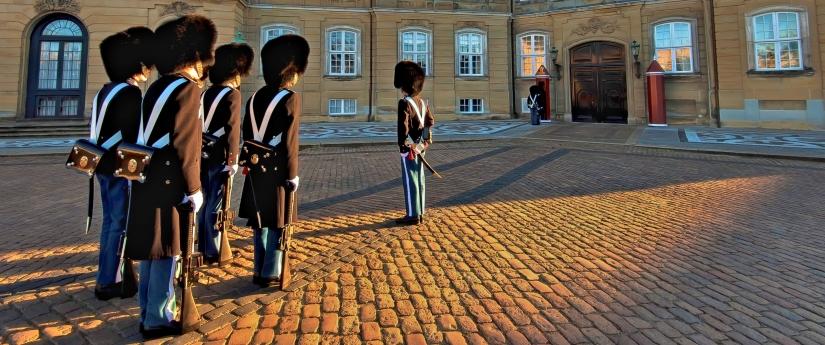 ... amalienborg e le sue guardie (02) ...