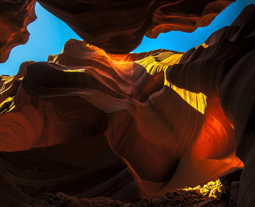 ... in antelope canyon (01) ...