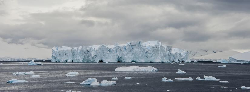 ... Port Lockroy, penisola antartica (03) ...