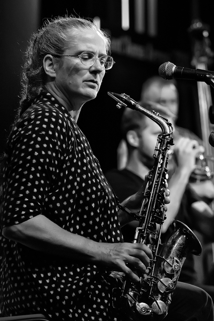 Caroline Kraabel (Homage to Butch Morris Large Ensemble by Evan Parker)