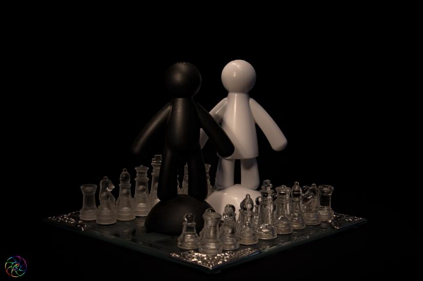 2 orizzontale: Confronto tra bianchi e neri