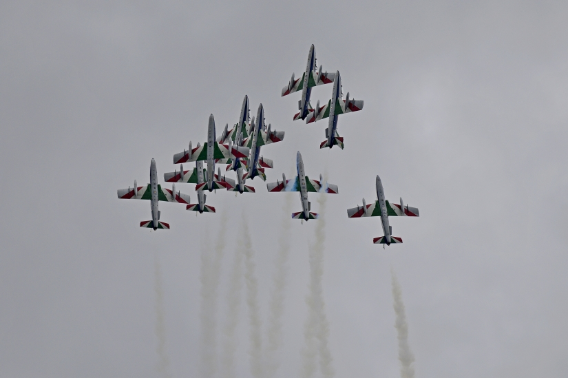 3... 2... 1... apertura - Pattuglia Acrobatica Nazionale - Frecce Tricolori - Italia