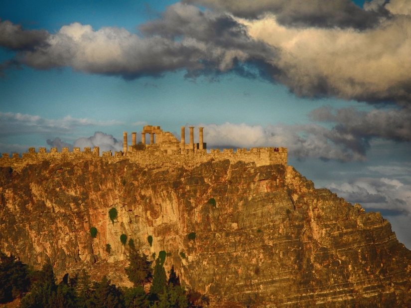 Acropolis Lindos (Rodhes-Greece)