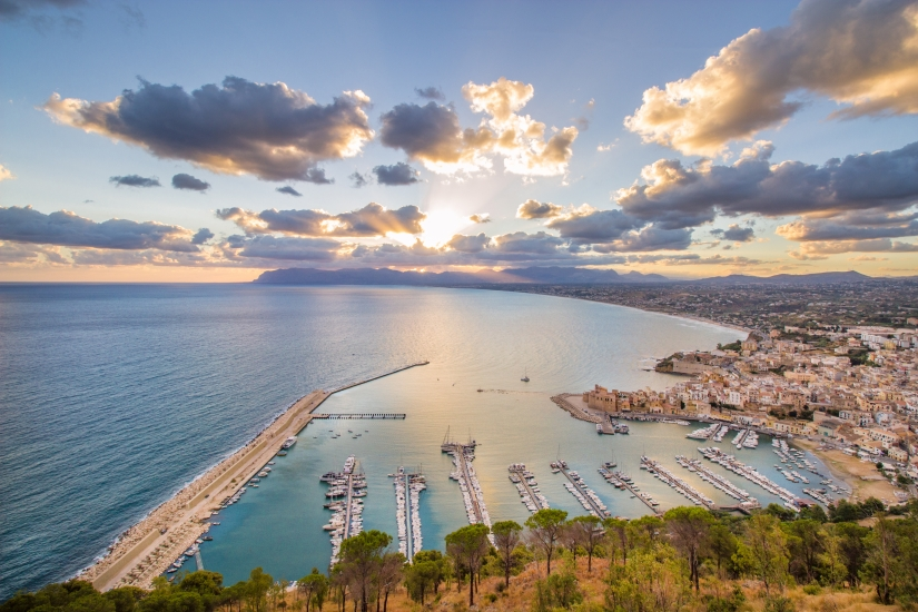 Alba a Castellammare del Golfo.