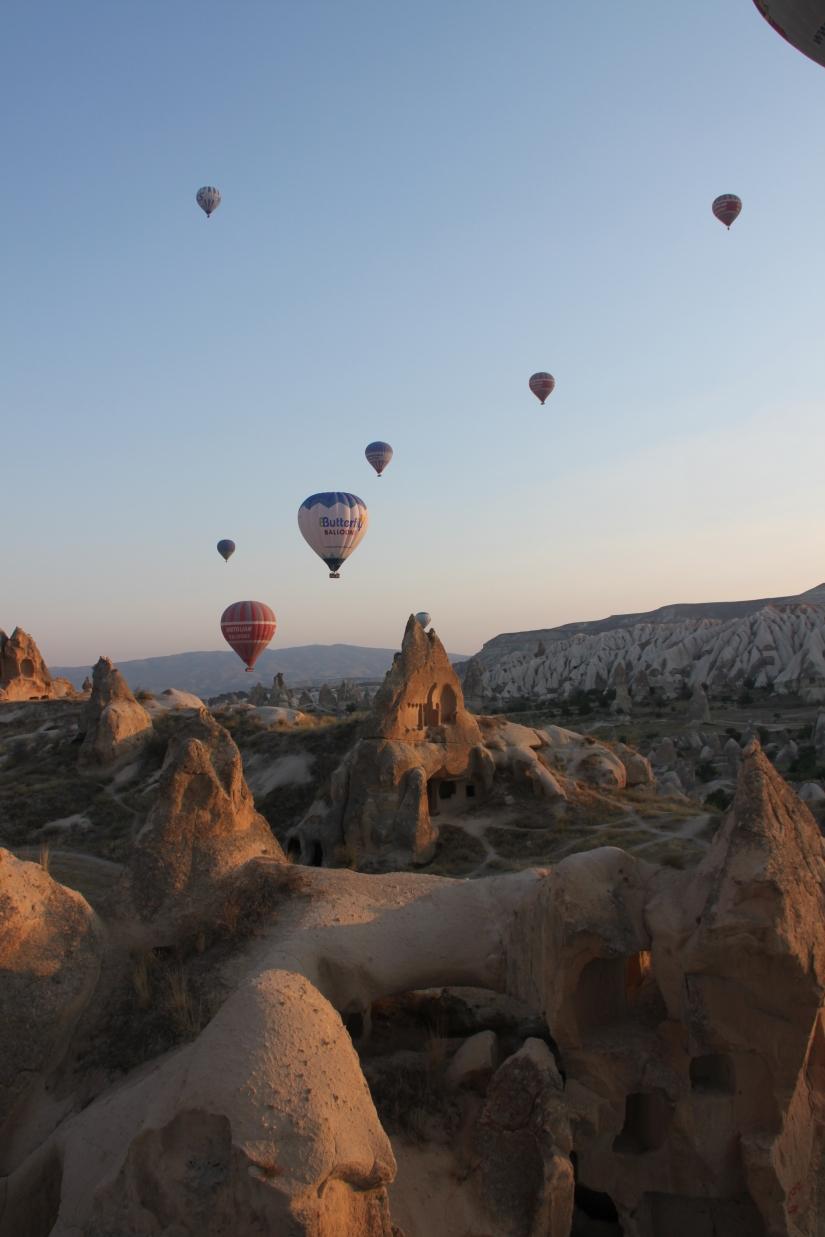Alba sui camini delle fate, Cappadocia