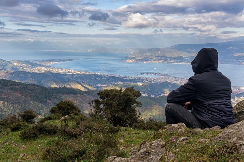 Ammirando lo Stretto di Messina