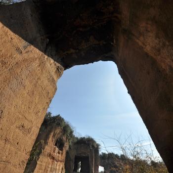 Architetture di pietra, le cave di tufo di Roma