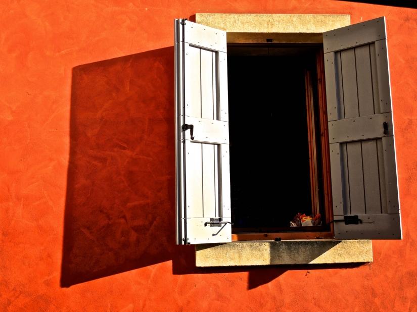 Astratto con finestra