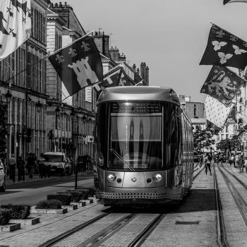 Attenti al tram (Urban street)