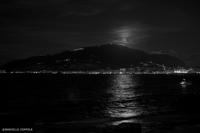 Big moon on Erice.