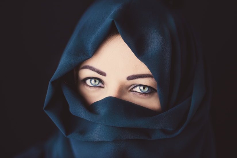 Blue eyes and blue scarf