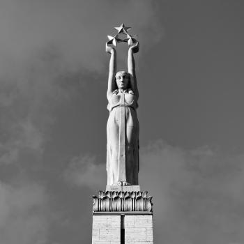 Brīvības piemineklis di Riga