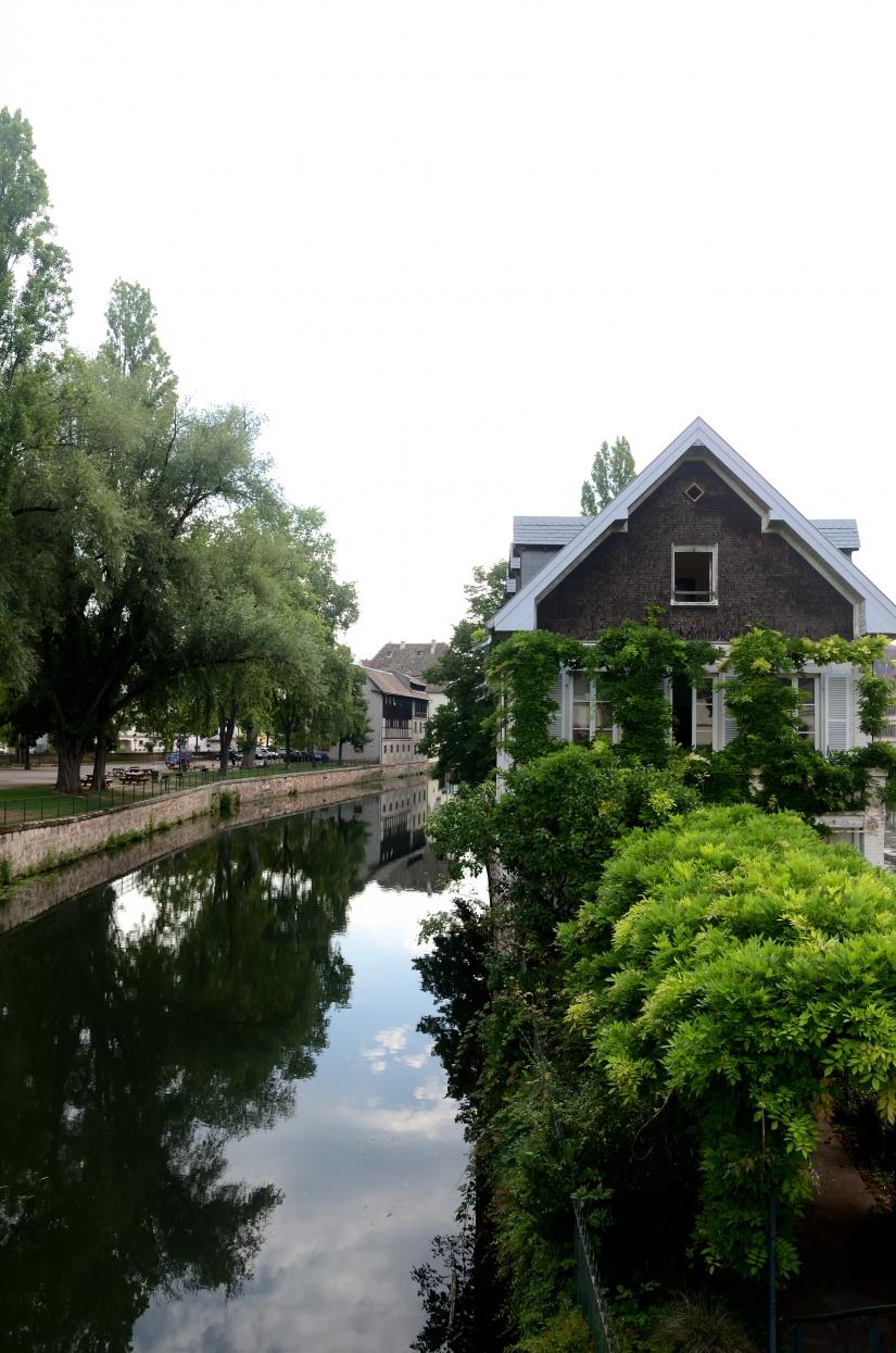 Casetta sul canale