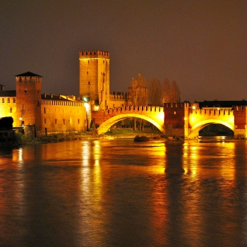 Castelvecchio by night