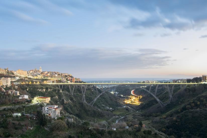 Catanzaro ed il suo ponte più alto D ' Europa