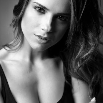 Claudia, Portrait