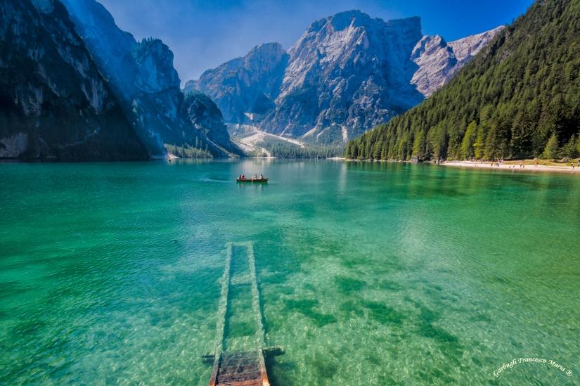 Colori e trasparenze del Lago di Braies