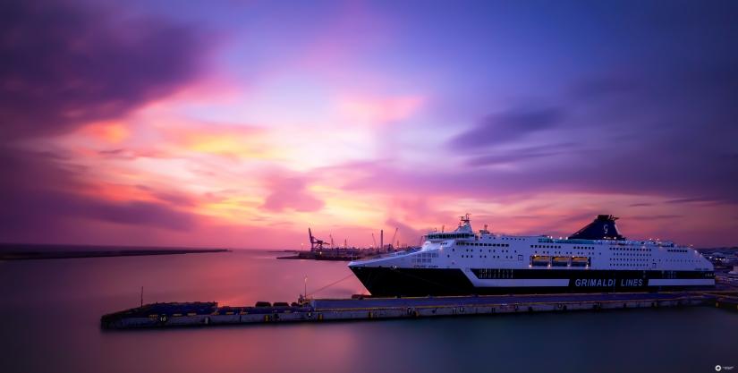 Crepuscolo, porto di Civitavecchia