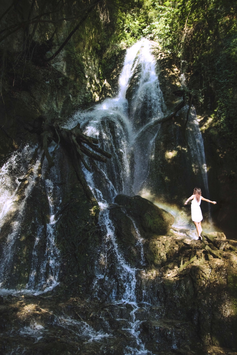 Curtsy to Waterfall