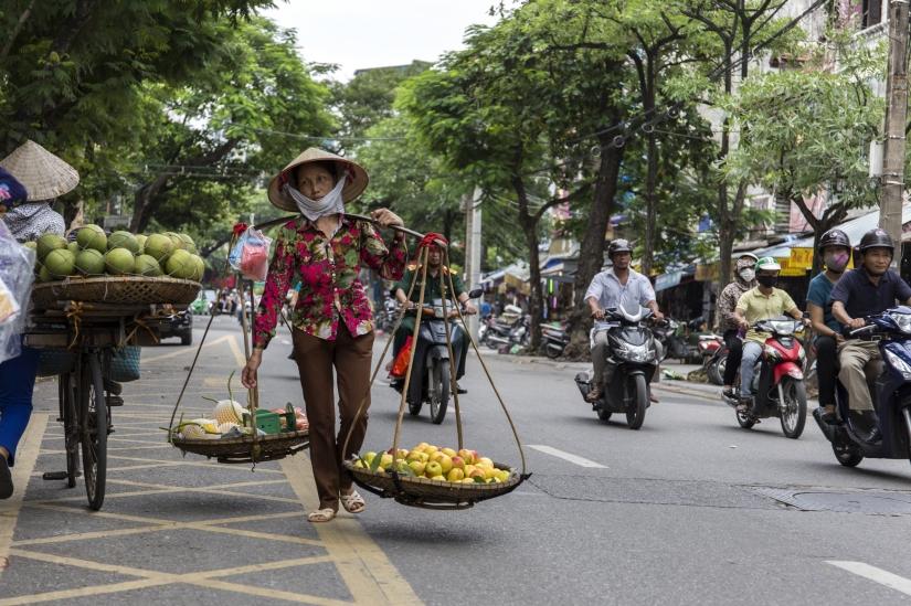 Donna vietnamita ad Hanoi