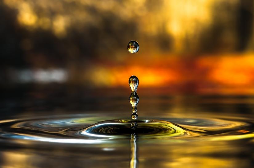 Drops Rebound - Gocce che rimbalzano macro fotografia - Mario jr Nicorelli