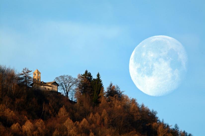 E la luna spuntò...