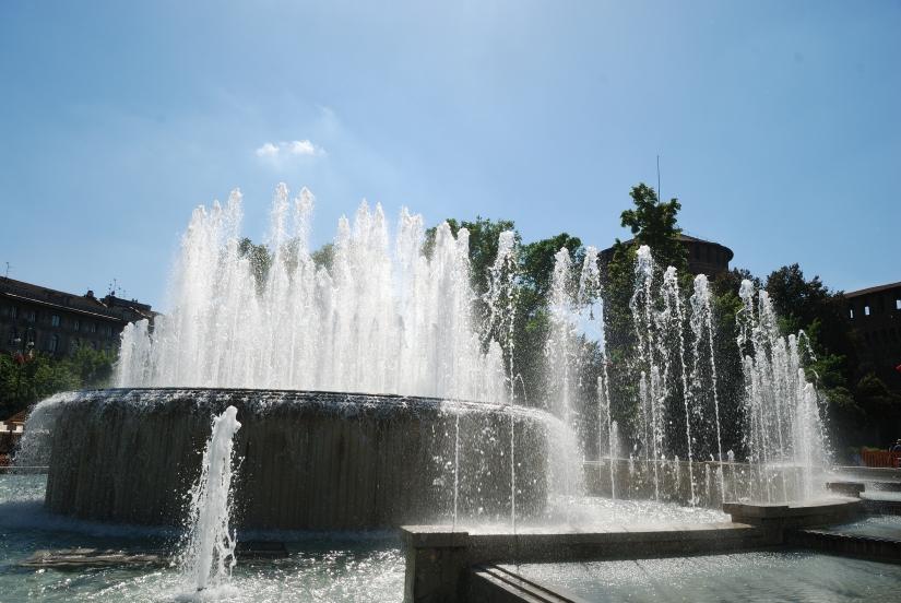 Fontana Piazza Castello, Milano