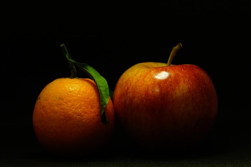 Frutta di stagione con luce calda