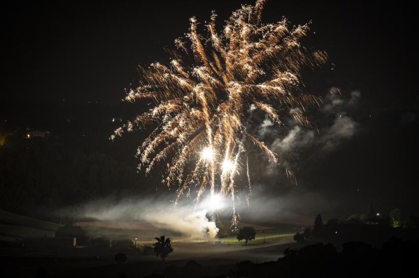 Fuochi d'artificio in collina