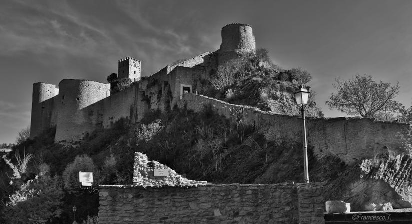 Gioco di luci sul castello