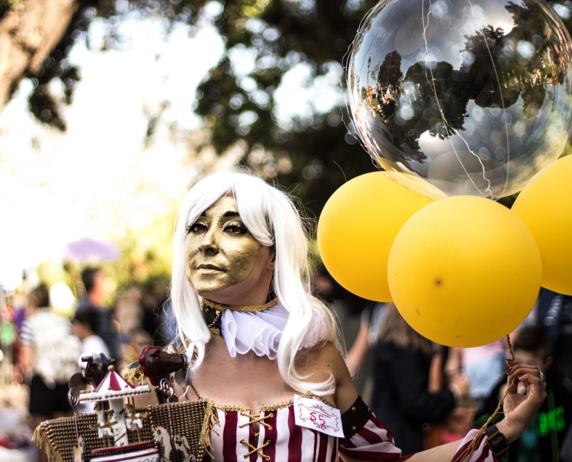 GoldenWoman Circus