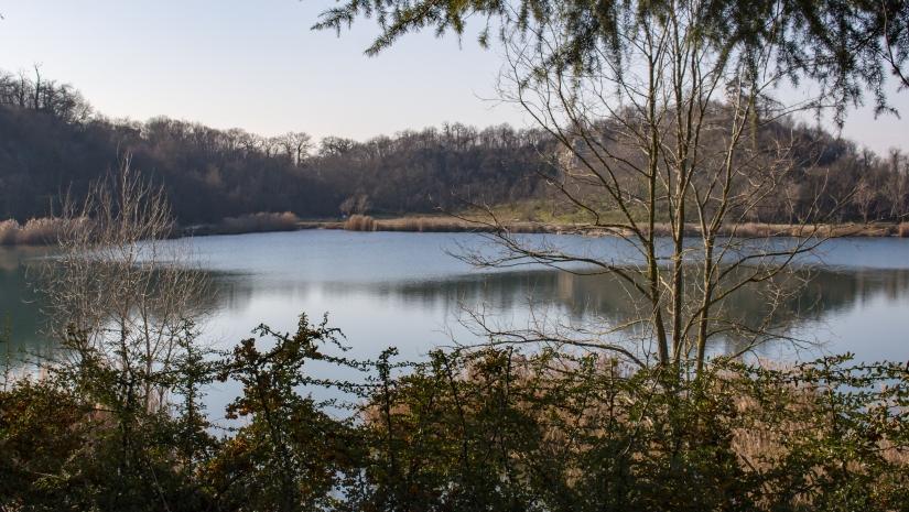 Il lago nascosto