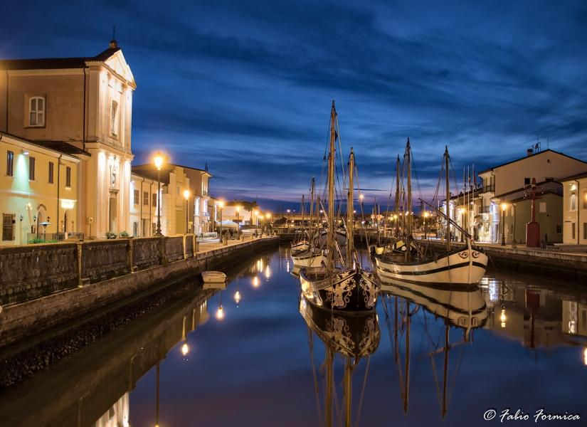 Image HDR Barche a vela in blue hour porto canale a Cesenatico - Febbraio 2018