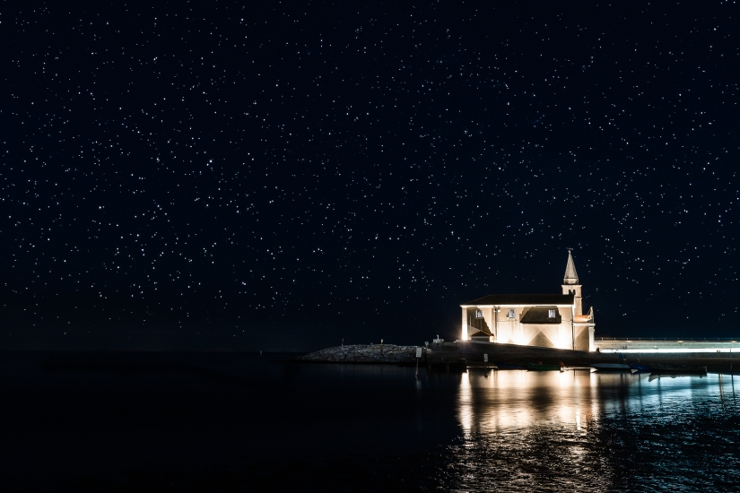 La chiesa tra le stelle