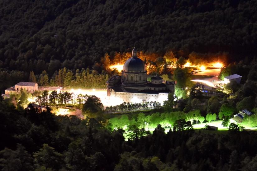 La magia della notte sul santuario di oropa biella