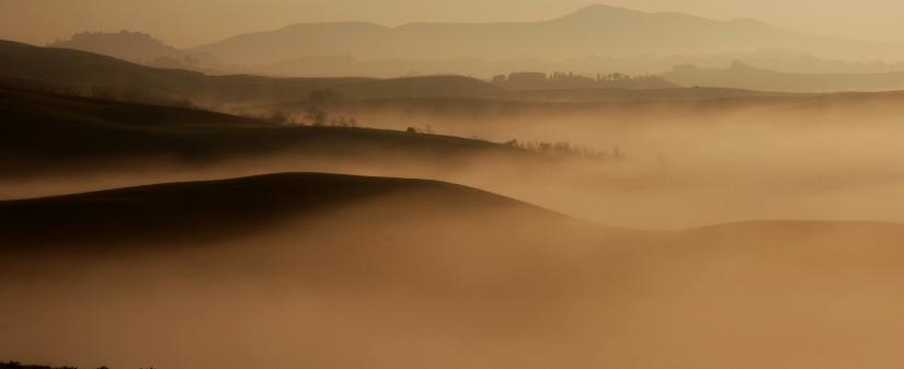 La nebbia agli irti colli....