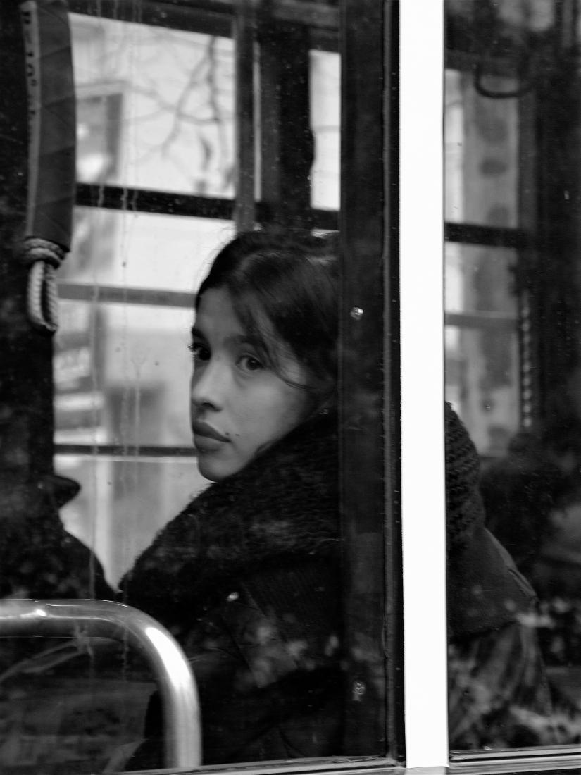 La ragazza sul tram