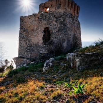 La Torre che domina sul mare