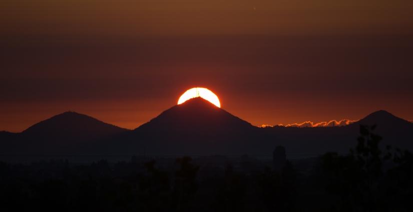 L'alba rosso