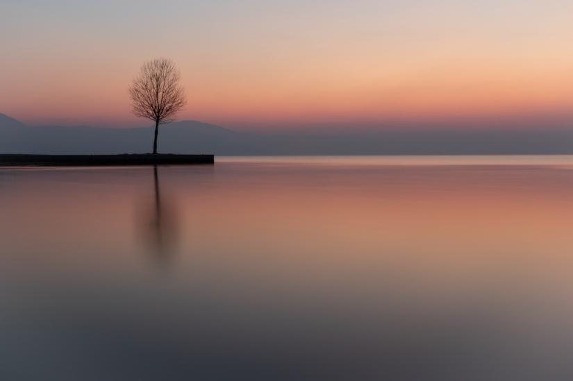 L'alba sul Garda