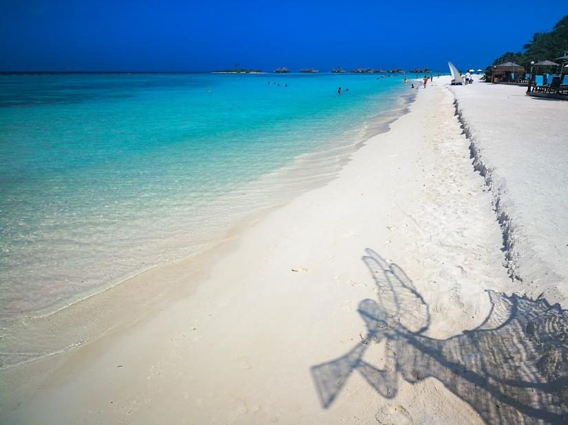 L'angelo sulla spiaggia del paradiso.