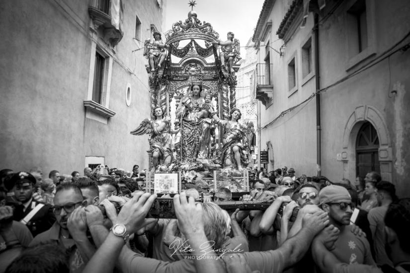 Le feste religione in Sicilia, tradizioni del passato in vita nel presente