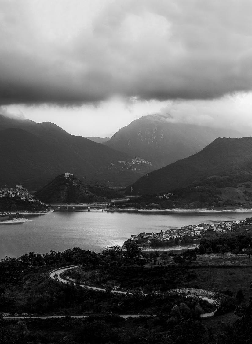 Le montagne, il lago, il mio paesaggio ideale.