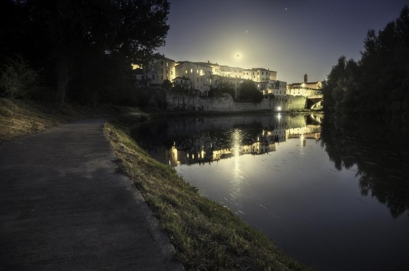 Light moon