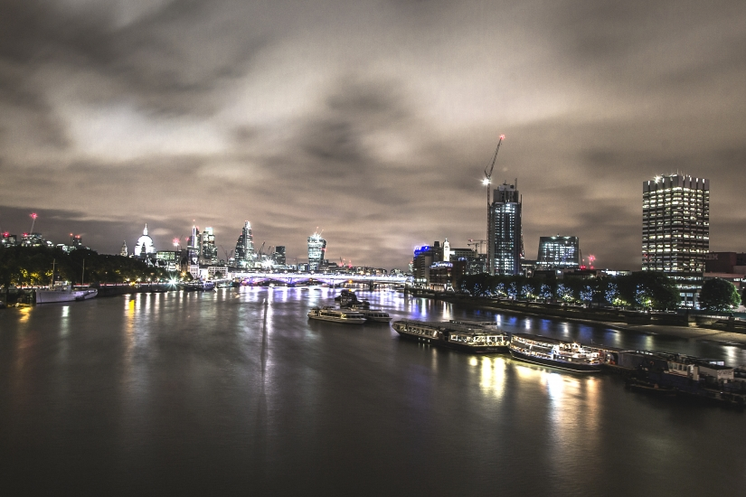 London by night color 2