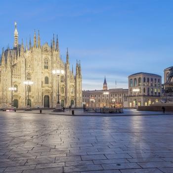 Milano all'alba