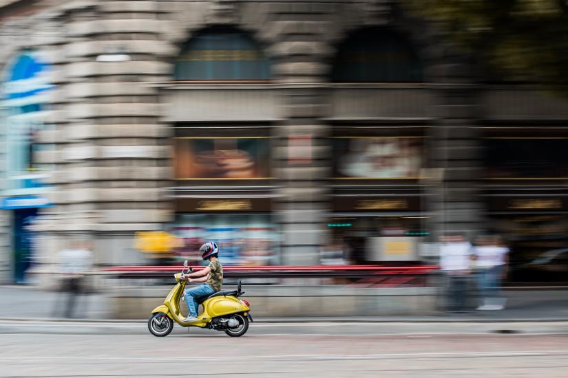 Milano in Vespa