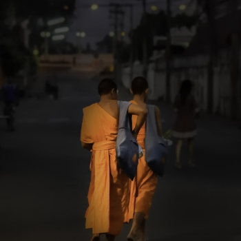 Monaci all'alba a Chang Rai