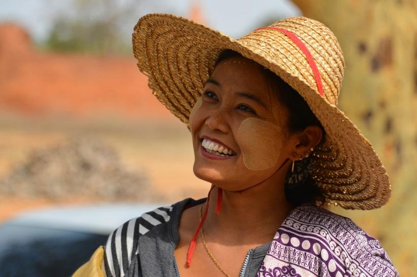 Myanmar, le donne del sorriso