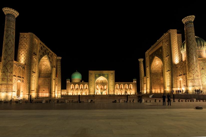Notturna in piazza Registan